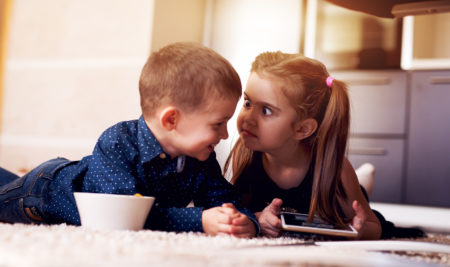 Rapporto tra fratelli: l'importanza del ruolo genitoriale